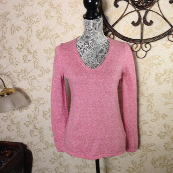 Old Navy - Old Navy pink sweater from Janis's closet on Poshmark